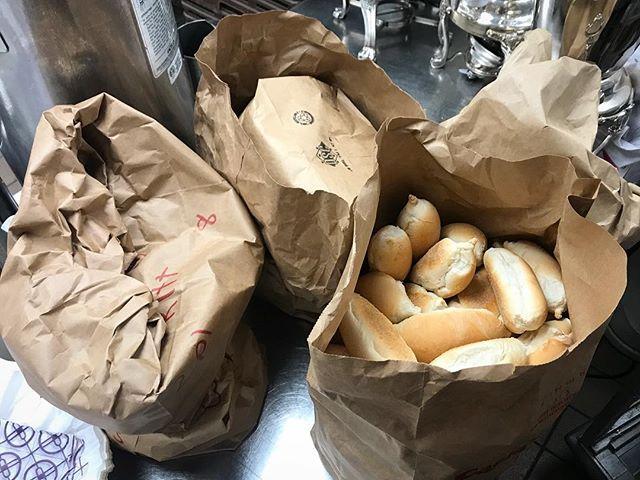 3 Dozen Unused Rolls ➡️ Dinner Rolls to feed 30 @focusedathletics215 athletes.  #FoodingForward #foodrescue #repurposemyfood #breadrescue #whyilovephilly #focusedathletics