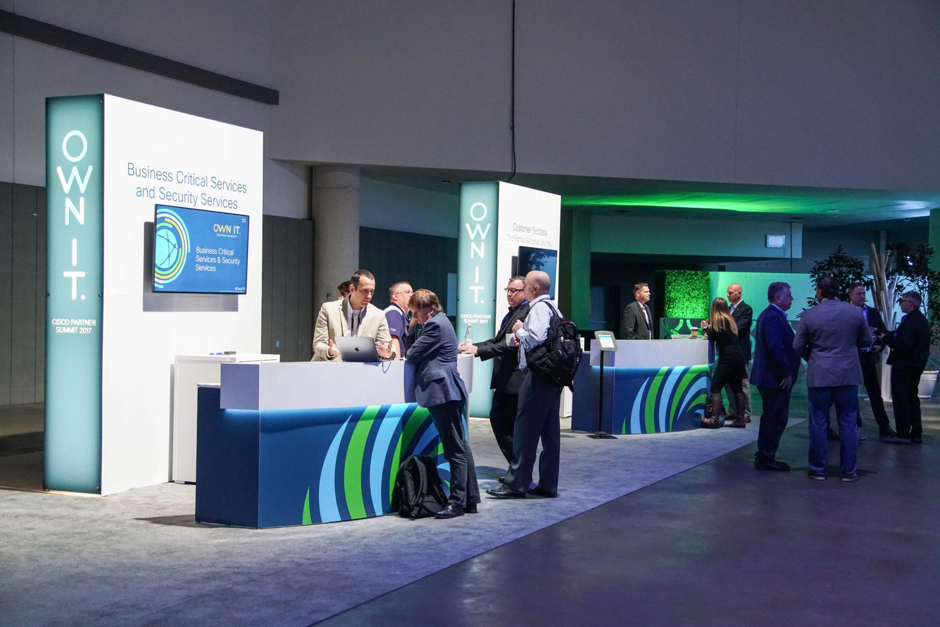 Cisco-PS17-Partner Hub-Demos-00444.jpg