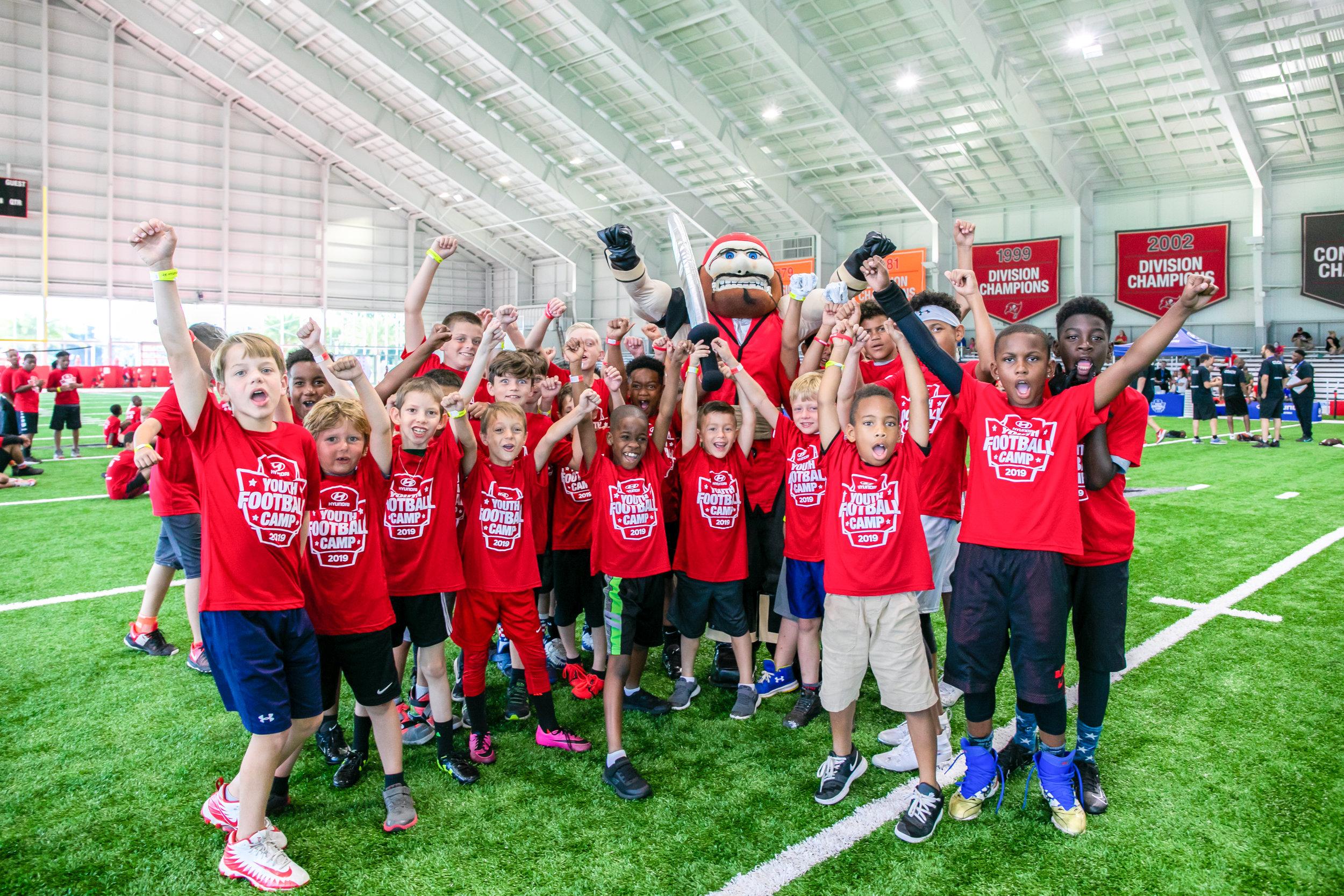 OHelloMedia-Hyundai-YouthFootballCamps-TampaBay-TopSelect--8.jpg