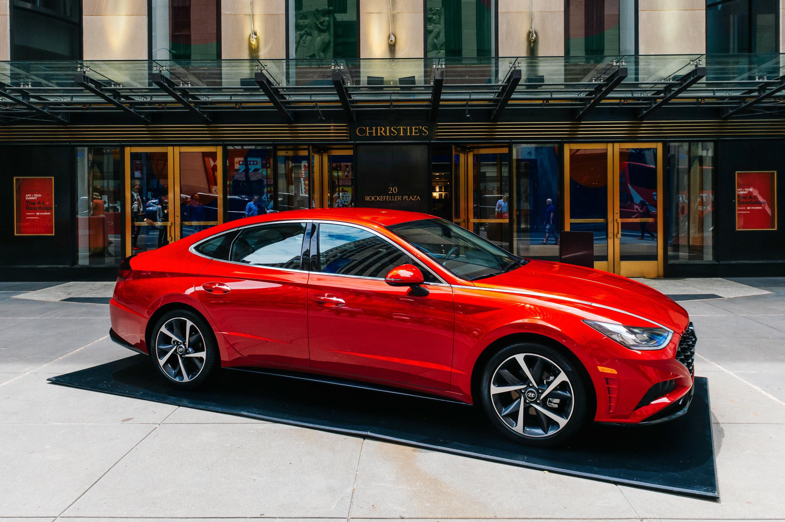 OHelloMedia-Hyundai-Christie'sAuctionHouse-TopSelect-23.jpg