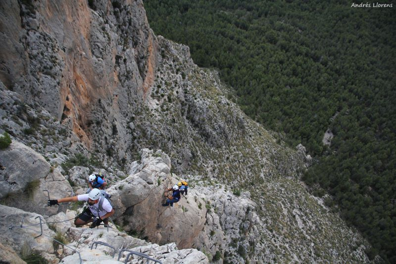Day out in the Ponoig via ferrata (Polop, Spain). Photo by Andres Llorens.
