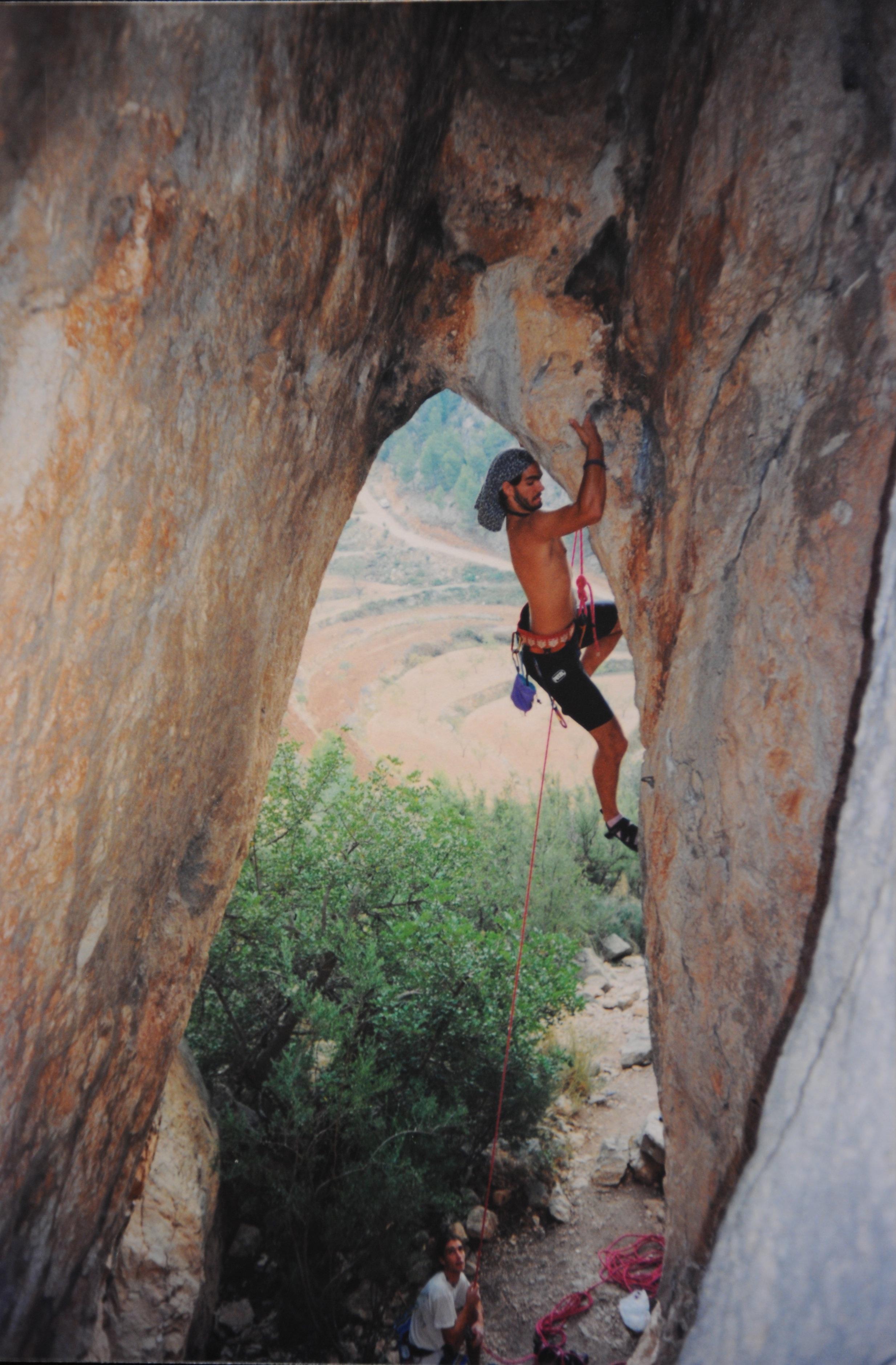 """Alex in the classic """"Ojo de Odra"""" route in Sella (Alicante, Spain, 1995)"""
