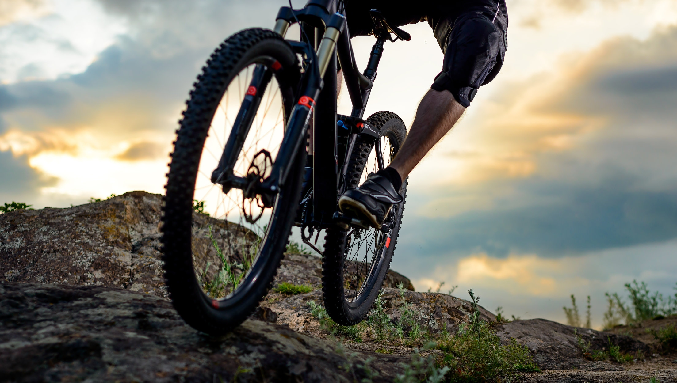 Hike & Bike - NEARLY 600 MILES OF HIKING AND MOUNTAIN BIKING TRAILS OFFER INCREDIBLE OPPORTUNITIES TO EXPLORE AND RIDE THE HILLS SURROUNDING PARK CITY AND DEER VALLEY.