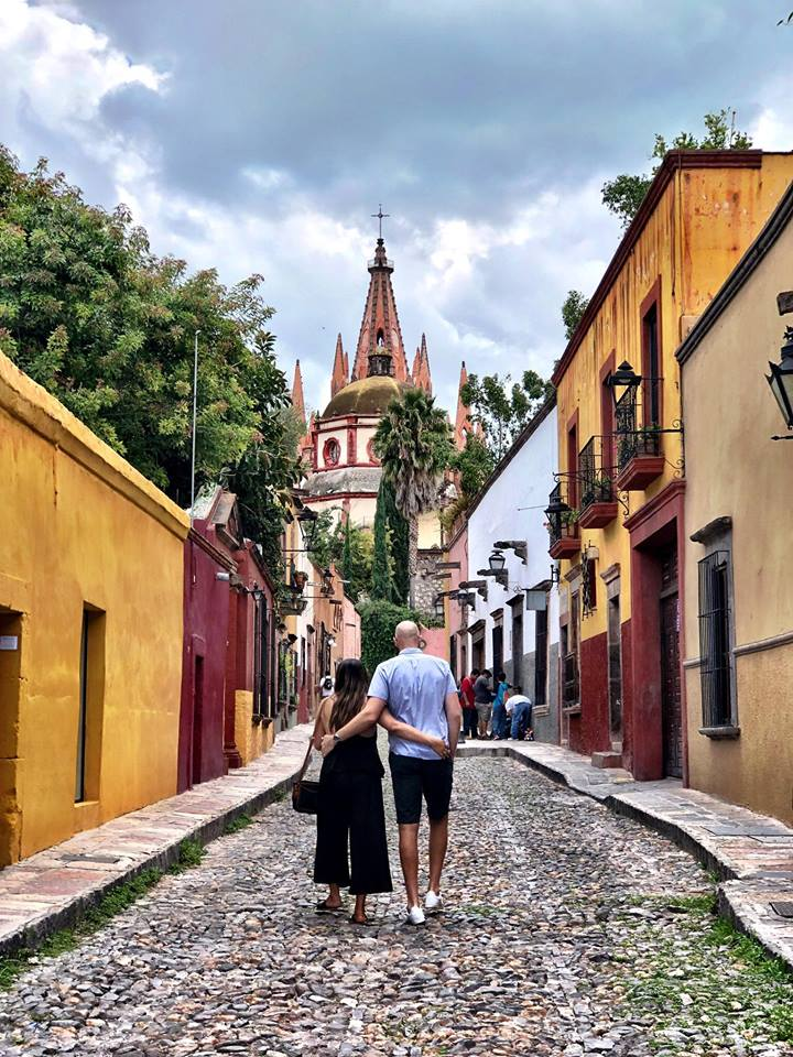 - ¡Bienvenidos!We are beyond thrilled to have you join us in San Miguel de Allende, Mexico for our wedding-July 6, 2019. We know some of you are thinking