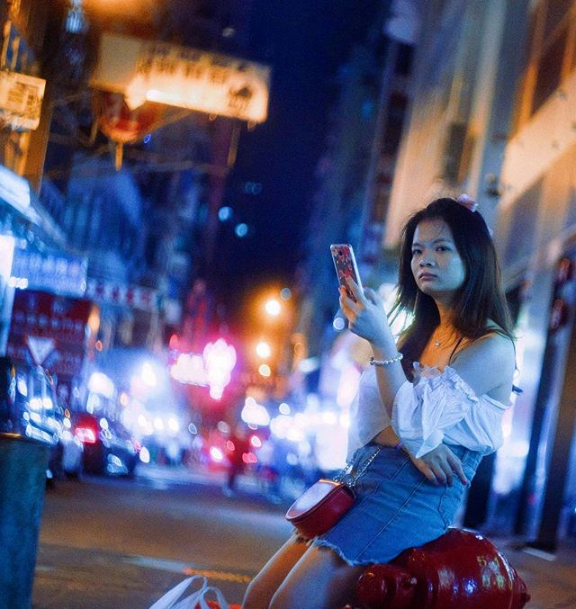 hong kong 2018 . . . . . . #hongkong#indies_gram#screen_archive#streetphotography#streets_vision#streetclassics#street_focus_on#streetleaks#filmmaking#ishootfilm#35mm#inspirationcultmag#streetshared#streetsacademy#capturestreets#ifyouleave#filmphotography#vintagelens#everybodystreet#unspokenzine#24hrchurch#grainisgood#filmcommunity#cinematic#dazedandexposed#somewheremagazine#cine#filmmaker#spicollective#lensculturestreets
