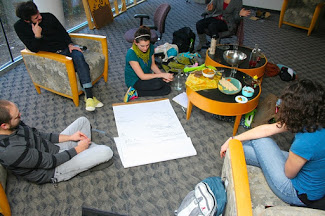 first-meeting-of-growbot-garden-local-foods-potluck_4295722158_o.jpg
