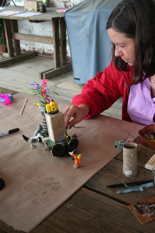 growbots-symposium_4577296382_o.jpg