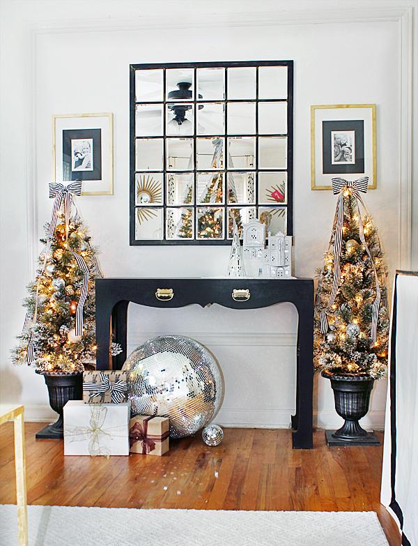 Hunted-Interior-Black-White-Gold-Living-Room-6.jpg