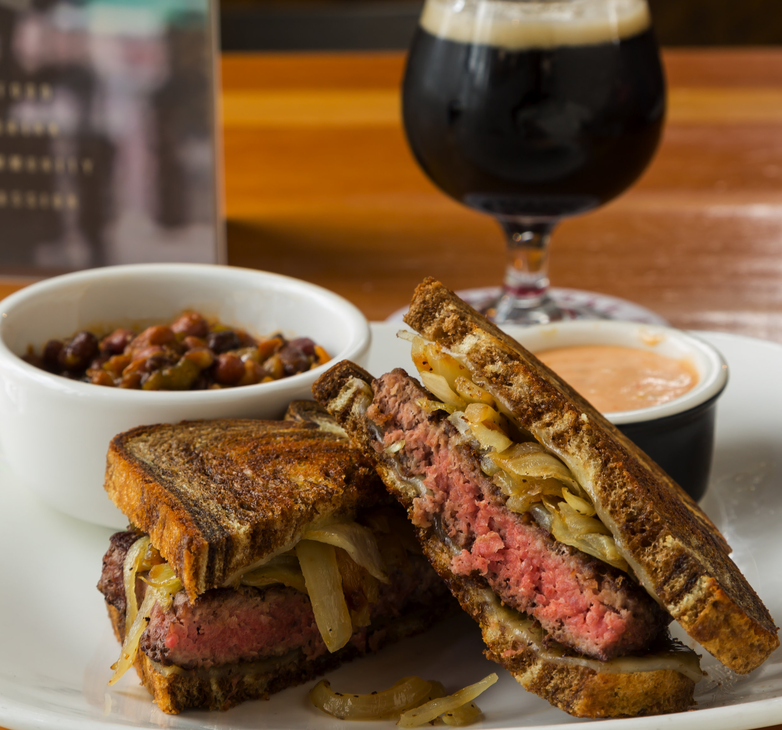 Patty Melt, stout, menu I (HR).jpg