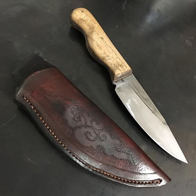 Knife and Sheath I made for my good friend @yonizilber .....I hope to be finishing and making more of these soon. #forging #knives
