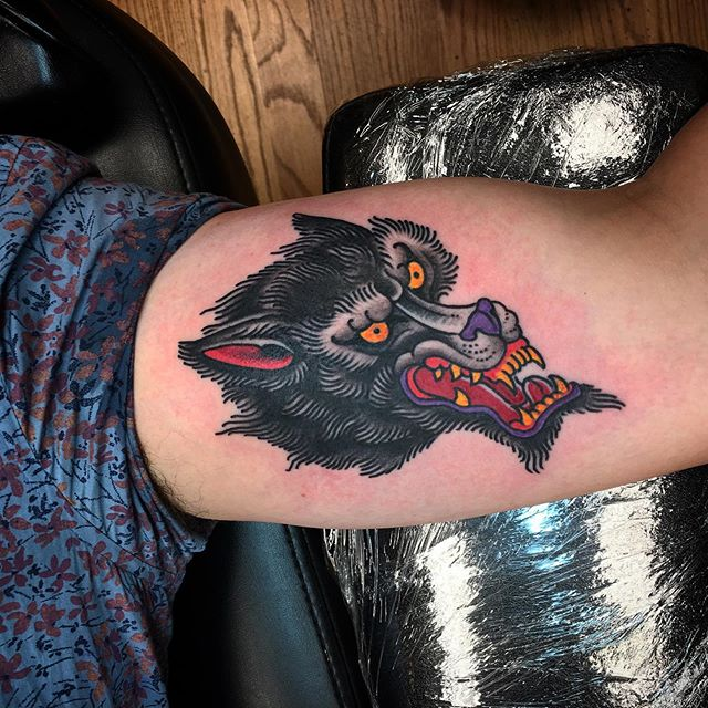 Wolf done by @rich_cahill on flash day. #traditionaltattoos #wolftattoo