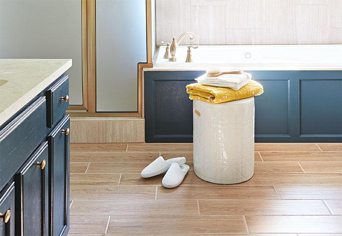 wood-look-tile-flooring-ideas-102074088.jpg