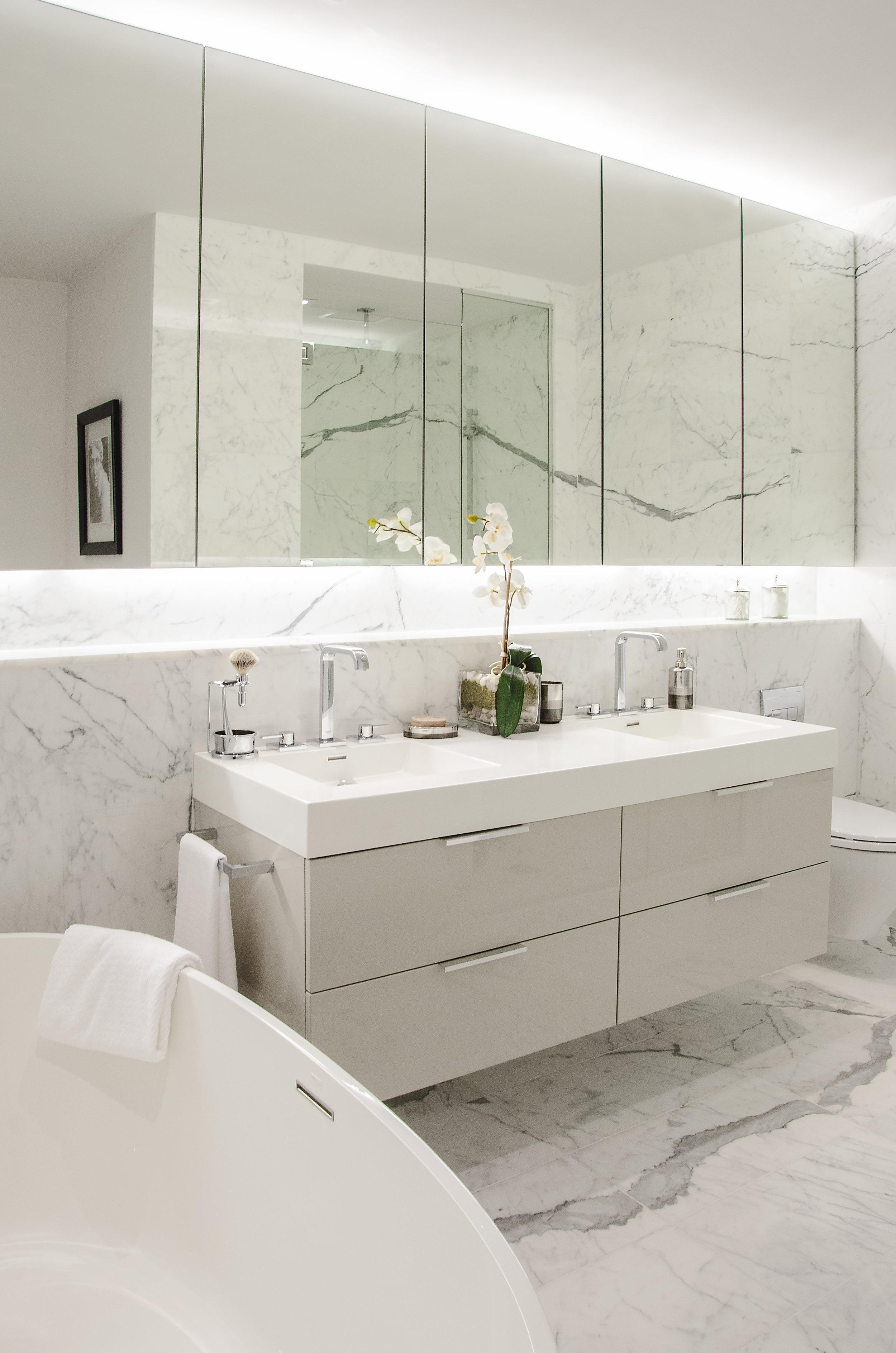 Bathroom AHW_7597.jpg