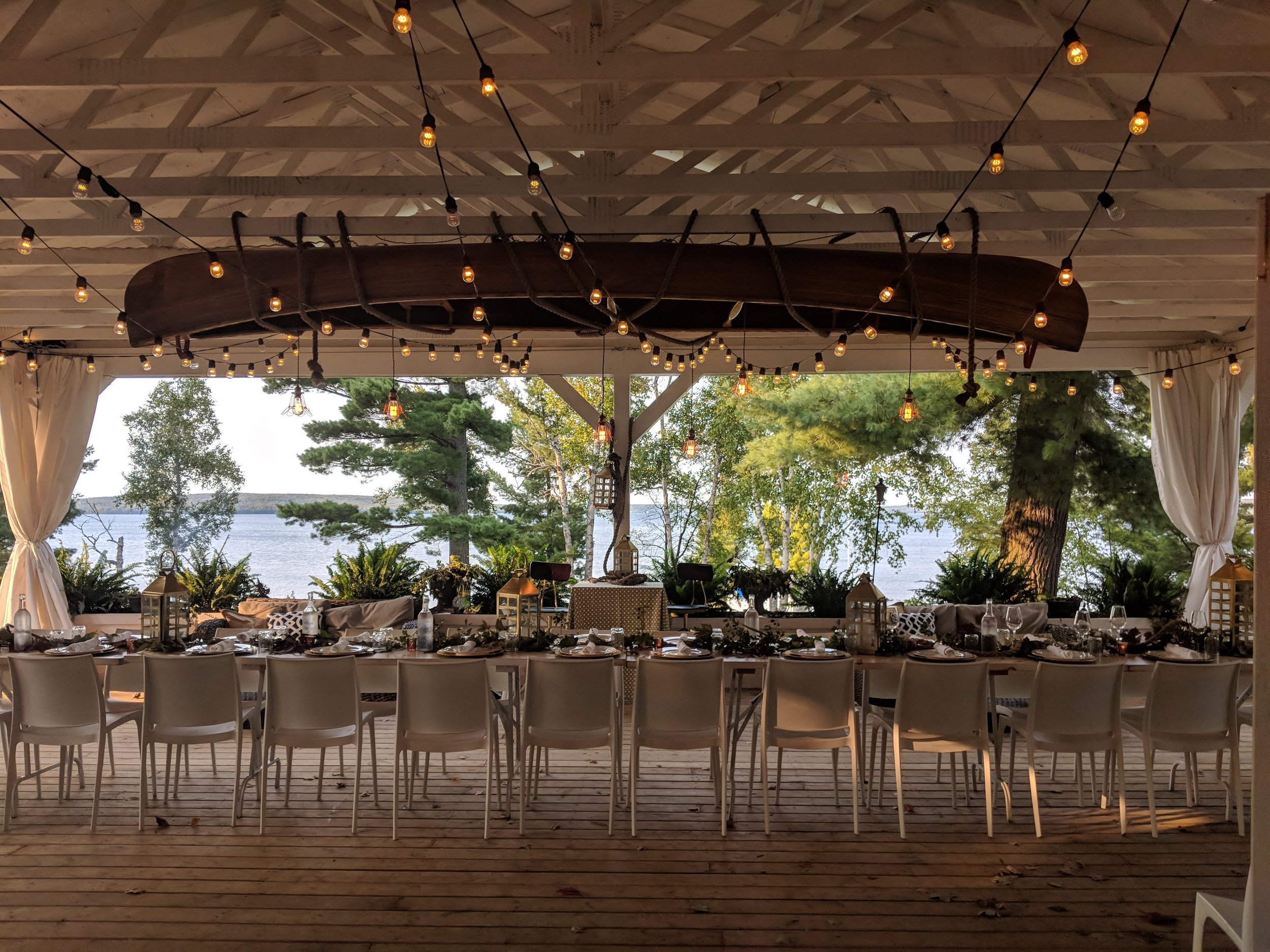 Outdoor Patio Dining with Lakeside Views