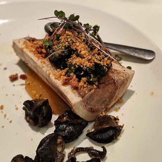 Bone Marrow, Snails, Blue Cheese, Crumble. Affordable fancy French food, along with BYOB at @restaurantlepegase in Montreal. $10 a la carte for this bone marrow starter. A bottle of wine per person makes for a fun dinner, gotta love BYOB restos!🍷 #lepegase #montreal #bonemarrow #snails #quebec #frenchfood . . #foodblog #foodie #foodporn #instafood #多伦多 #instafood #foodblogger #feedfeed #munchies #eatfamous #canada #goodfoodtoronto #montrealfood #mtl #foodmtl #mtlfood