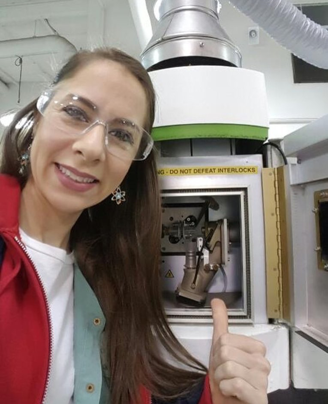 Michelle Scire (Co-founder)  @silli_scientist Specialty: Chemistry/Biology