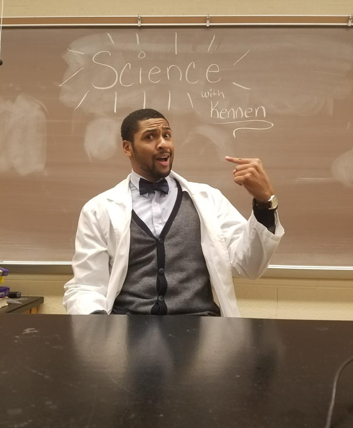 Kennen Hutchison  @sciencewithkennen Specialty: Viruses/Genetics