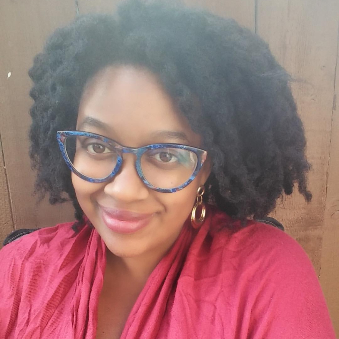 Stephany  @sciencestuffwithsteph Specialty: Anthropology/SciComm