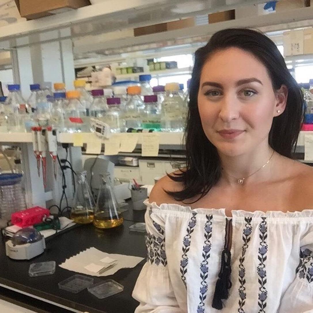Andreea  @fitgrad.andreea Specialty: Biochemistry/Cell Biology