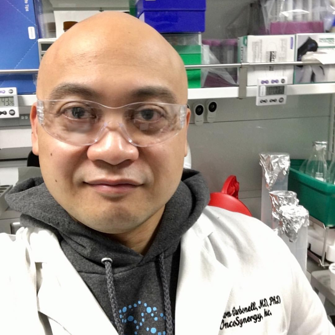 Shawn Carbonell  @brainsurgerydropout Specialty: Neuroscience/Biotechnology