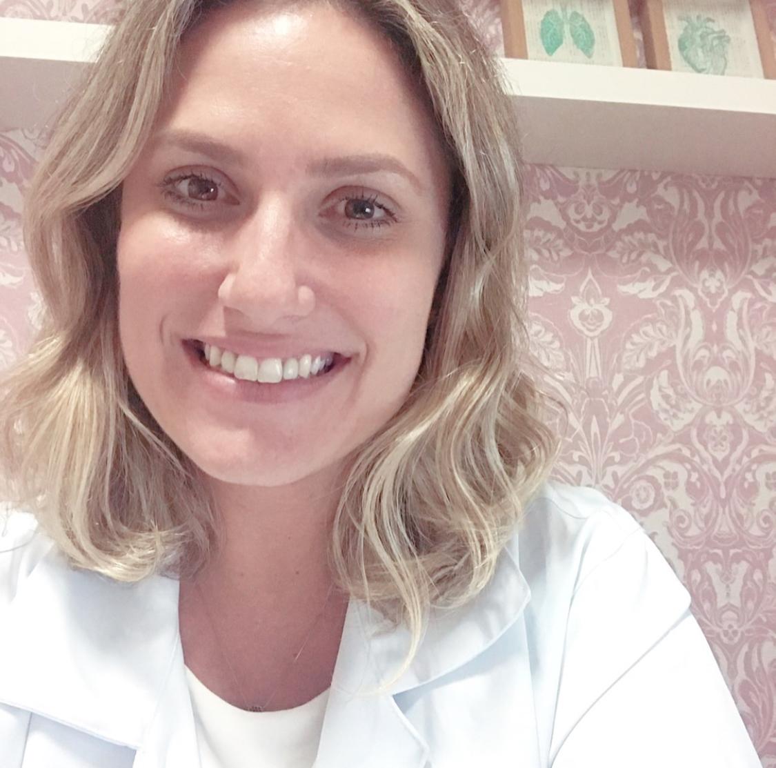 Renata Nesi  @nesicardiopulmonar Specialty: Physiotherapy
