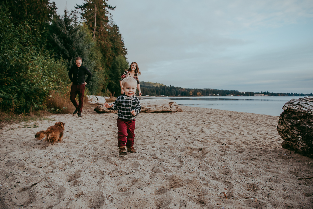 sargent-bay-family-photographer-session-Sunshine-Coast-BC-Katie-Bowen-Photography-11.jpg