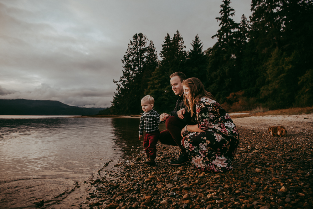 sargent-bay-family-photographer-session-Sunshine-Coast-BC-Katie-Bowen-Photography-14.jpg
