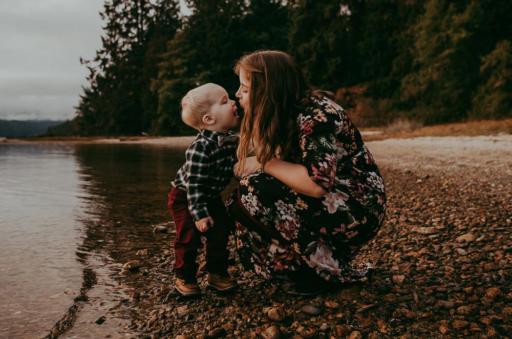 sargent-bay-family-photographer-session-Sunshine-Coast-BC-Katie-Bowen-Photography-18.jpg