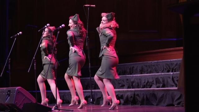 A snippet of our tribute to The Andrews Sisters show for ANZAC Day 🇦🇺🎙🇳🇿