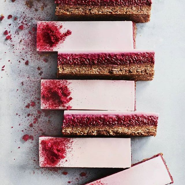 🔸Sorry things are a little quiet over here at BDJ but I'm busy trying to start the year off right and get all things in order including making decisions on our new boxes! In the meantime here is a picture that's totally lickable from the queen @donna.hay of her Chocolate Raspberry and Coconut Panna Cotta bars!🔸