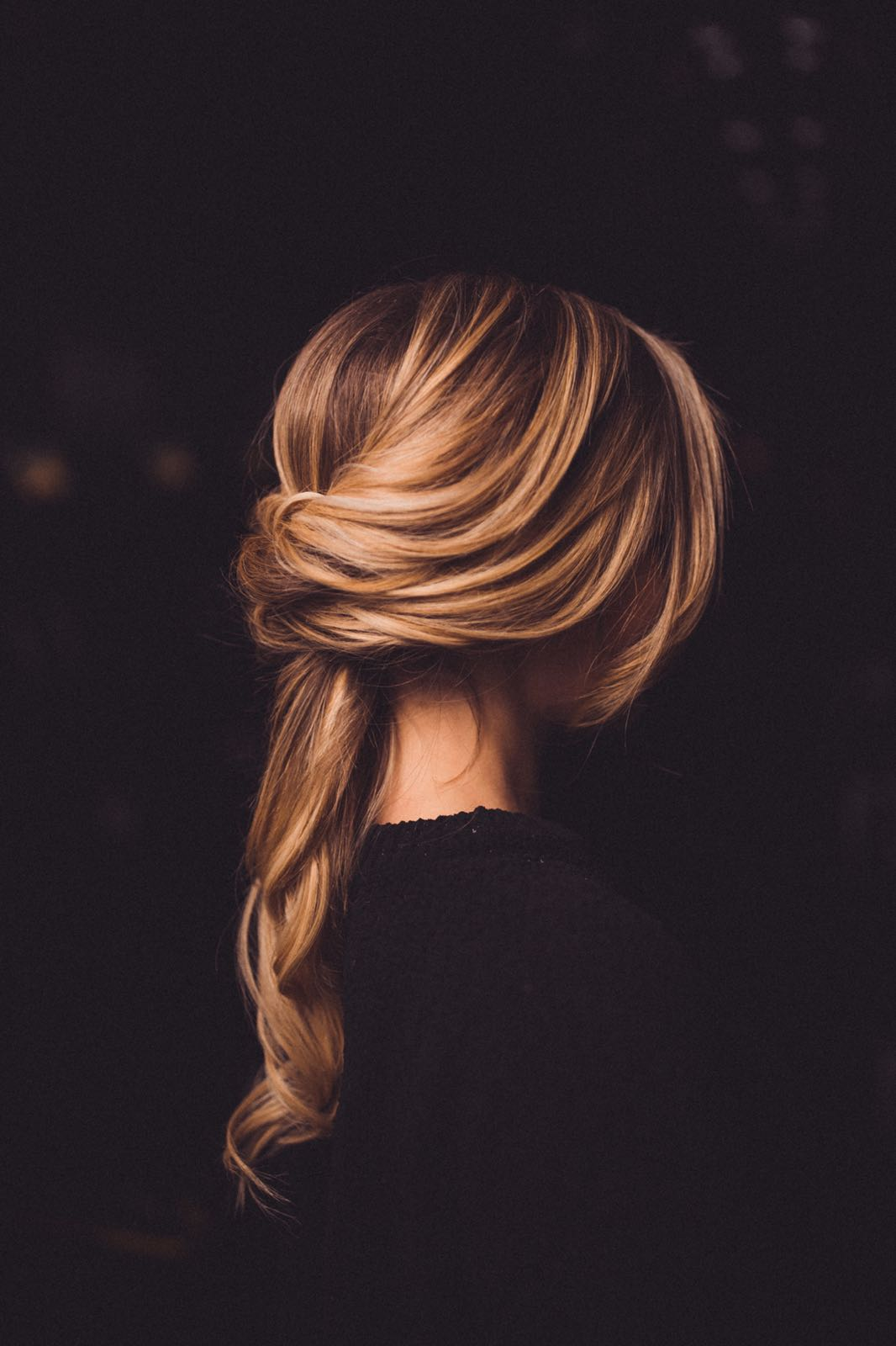 ELLE // Our twist on a classic low ponytail