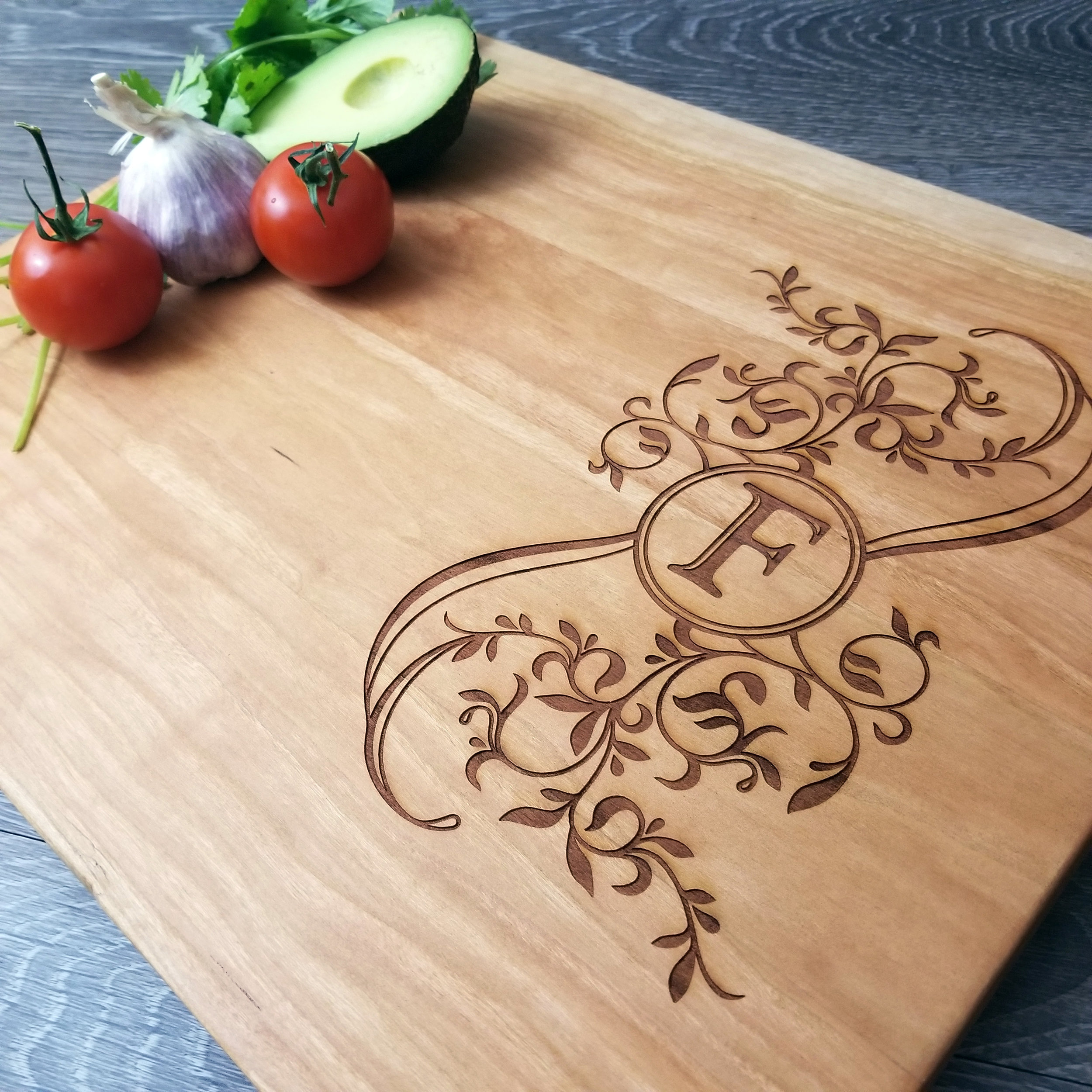 Personalized Wood Cutting Boards - We've done the work to find the 5 best wood types for cutting boards. Now, all you have to do is choose the one you like best.