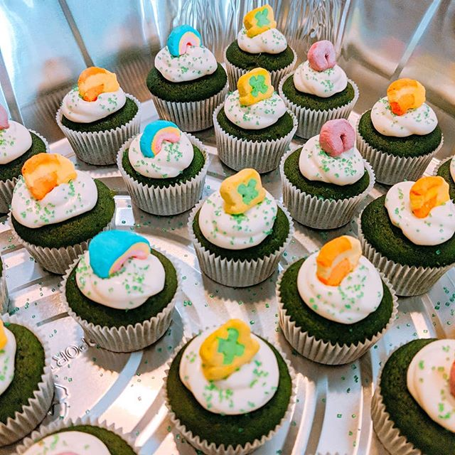 Happy #stpatricksday ☘️!! #free cupcakes today @wormtownbrewery while supplies last! 😉 #greenvelvet #cupcakes #creamcheesefrosting #luckycharms #stpattysday #2019 #dessert #sweets #confections #treats #yum #bakery #bakerylife