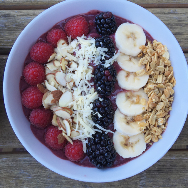 Easy Acai Bowl 1.jpeg