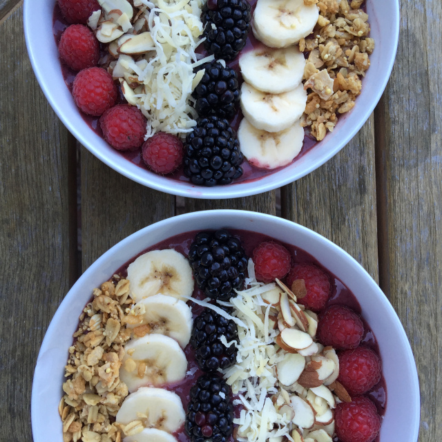 Easy Acai Bowl 2.jpeg