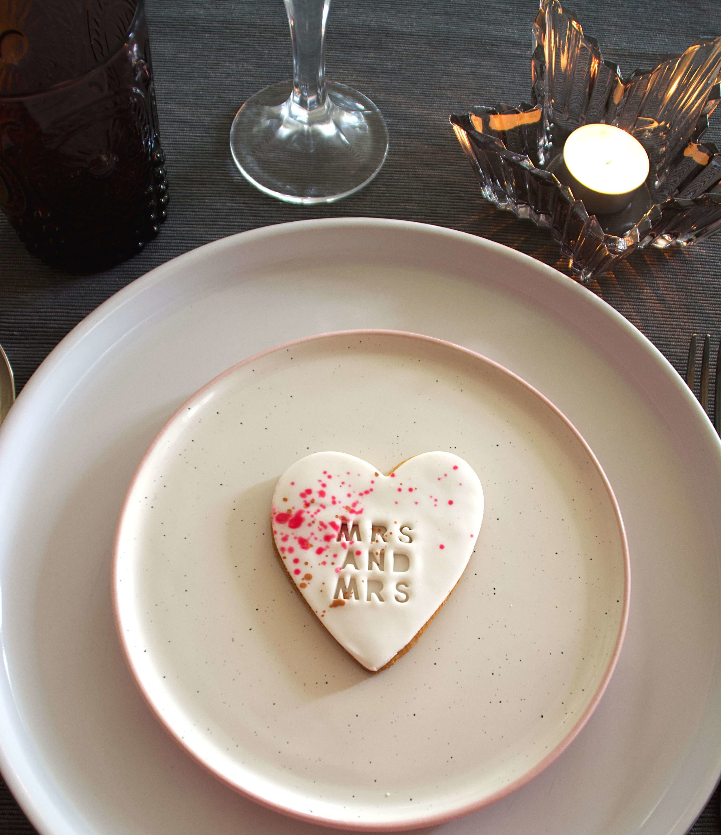 Mrs_and_Mrs_personalised_wedding_favour_biscuits.jpg