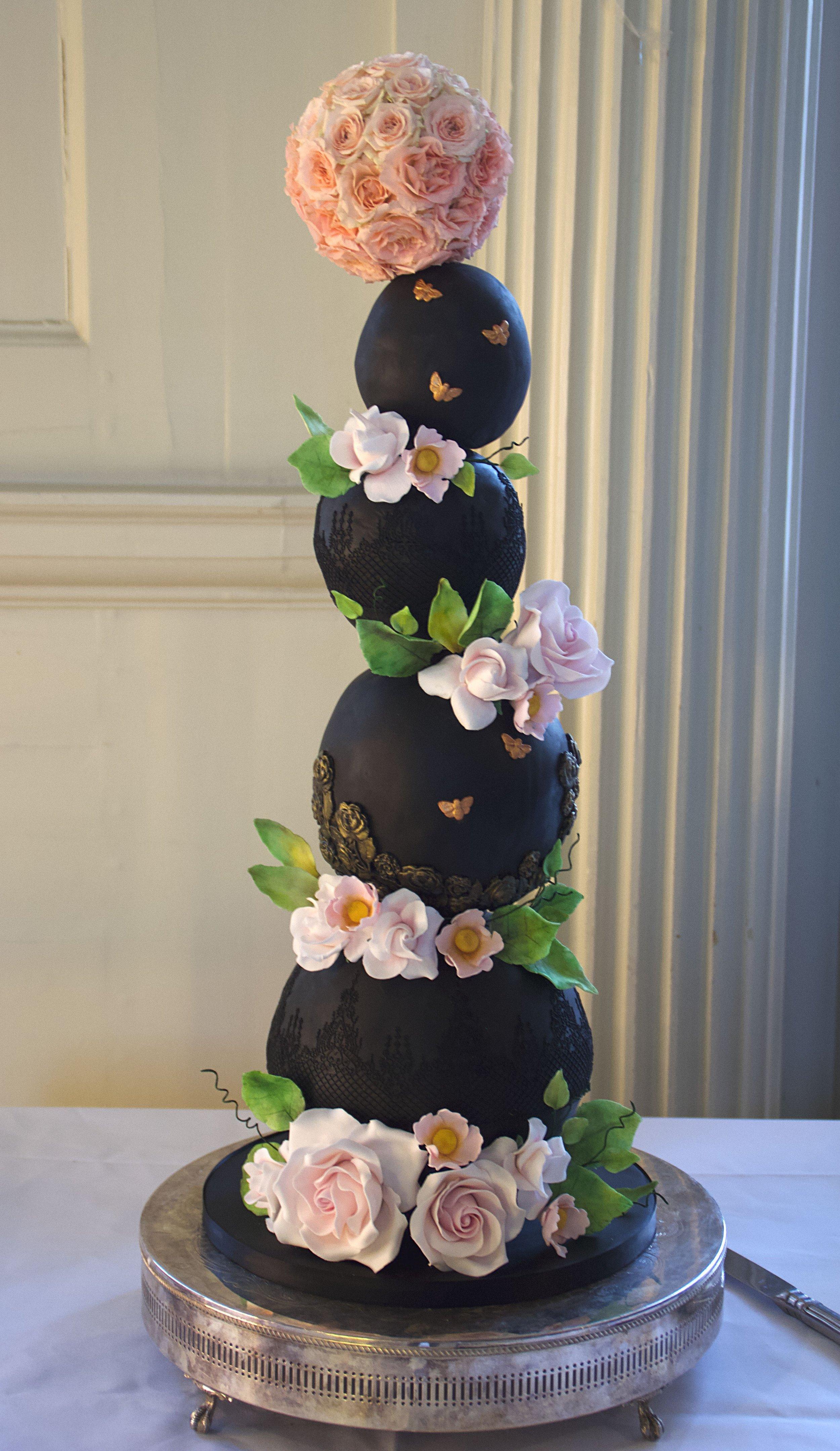 Black_spherical_wedding_cake_testimonial.jpg