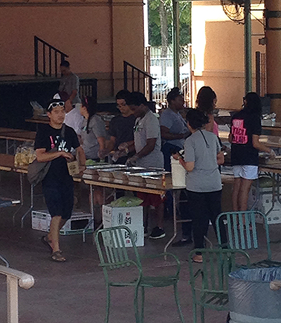 Volunteers were busy making lots of haystacks to feed the mass of people!