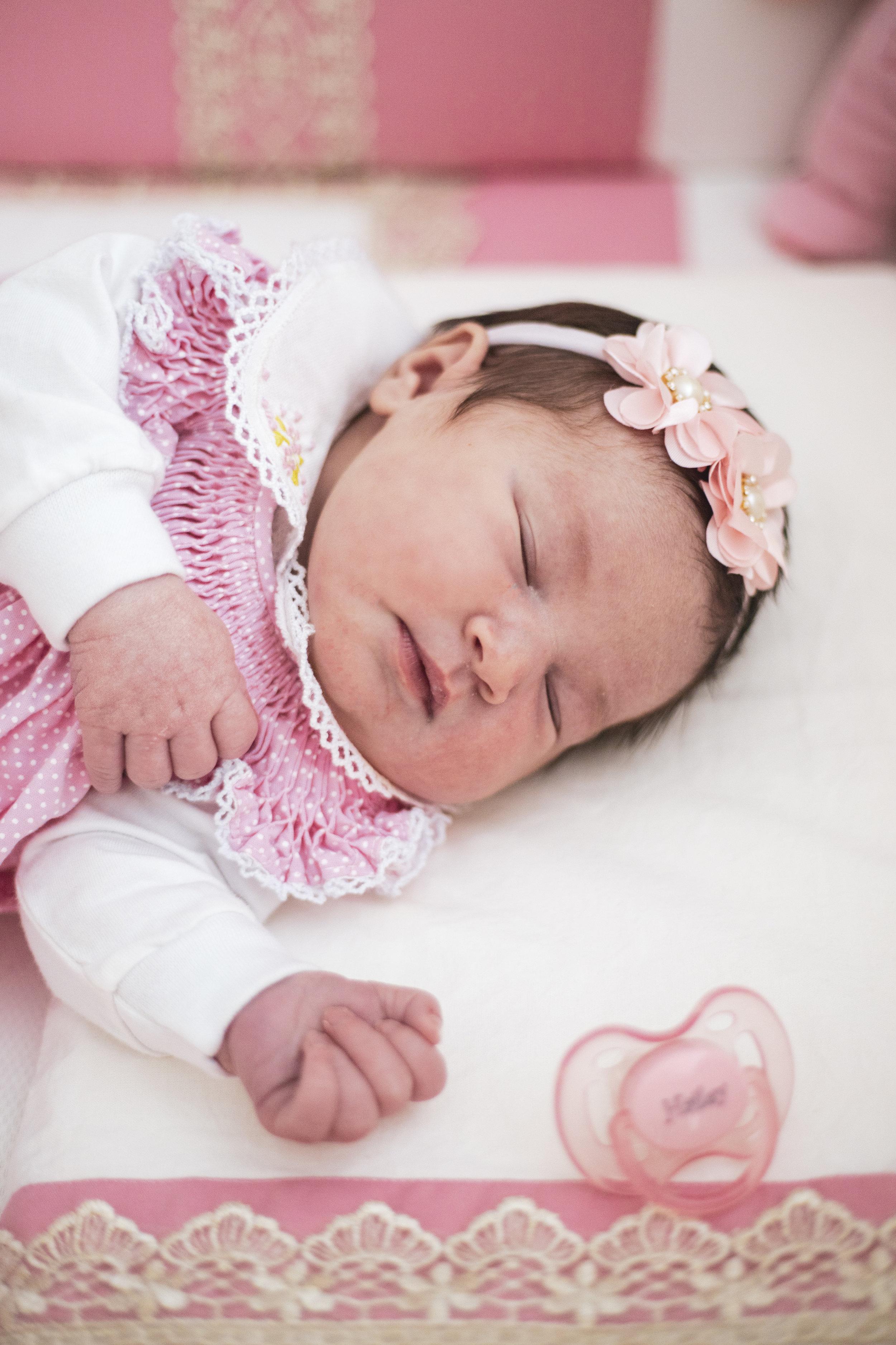 Hailey Newborn9.jpg