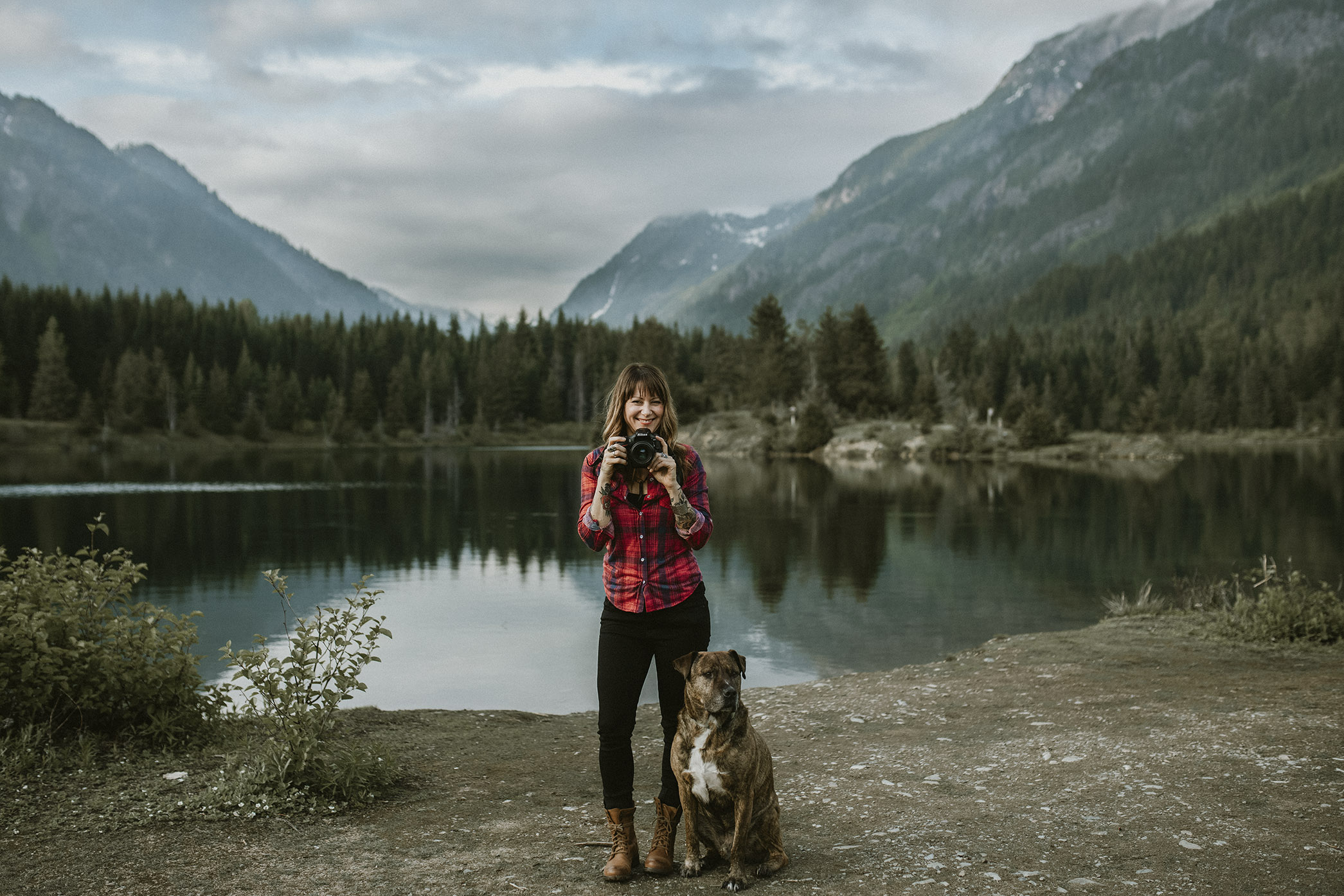 - ABOUT DAWNDRAFind out about this Seattle Portrait PhotographerWho is Dawndra anyway?