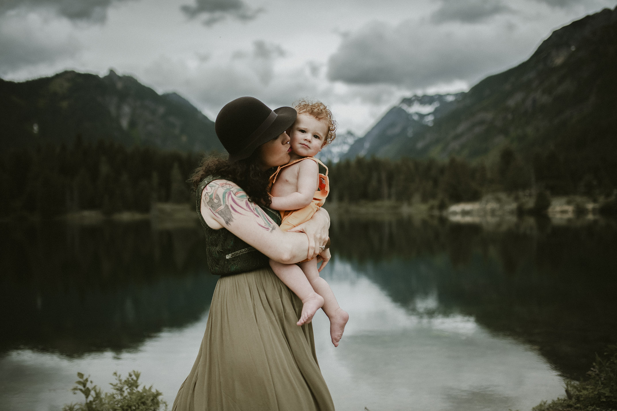 maternity newborn photographer Seattle