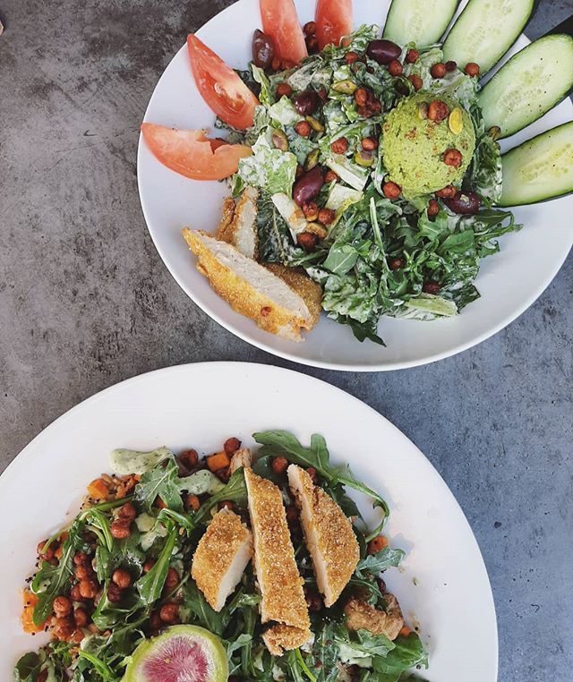 Killer salads for a killer hump day 🐪 #lunch #healthy #eat #food #sandiego #california #autumn #pacificbbeach #secondnaturepb #eatlocal #wednesdayinspiration #humpday