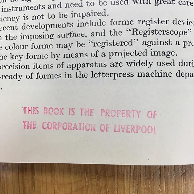 Just as you're getting near to finishing the book so you know who do give it back too. I'll have to take it next time we go to visit Stock's parents 😂 #draysonandstock #book #liverpool #typography #detail #details