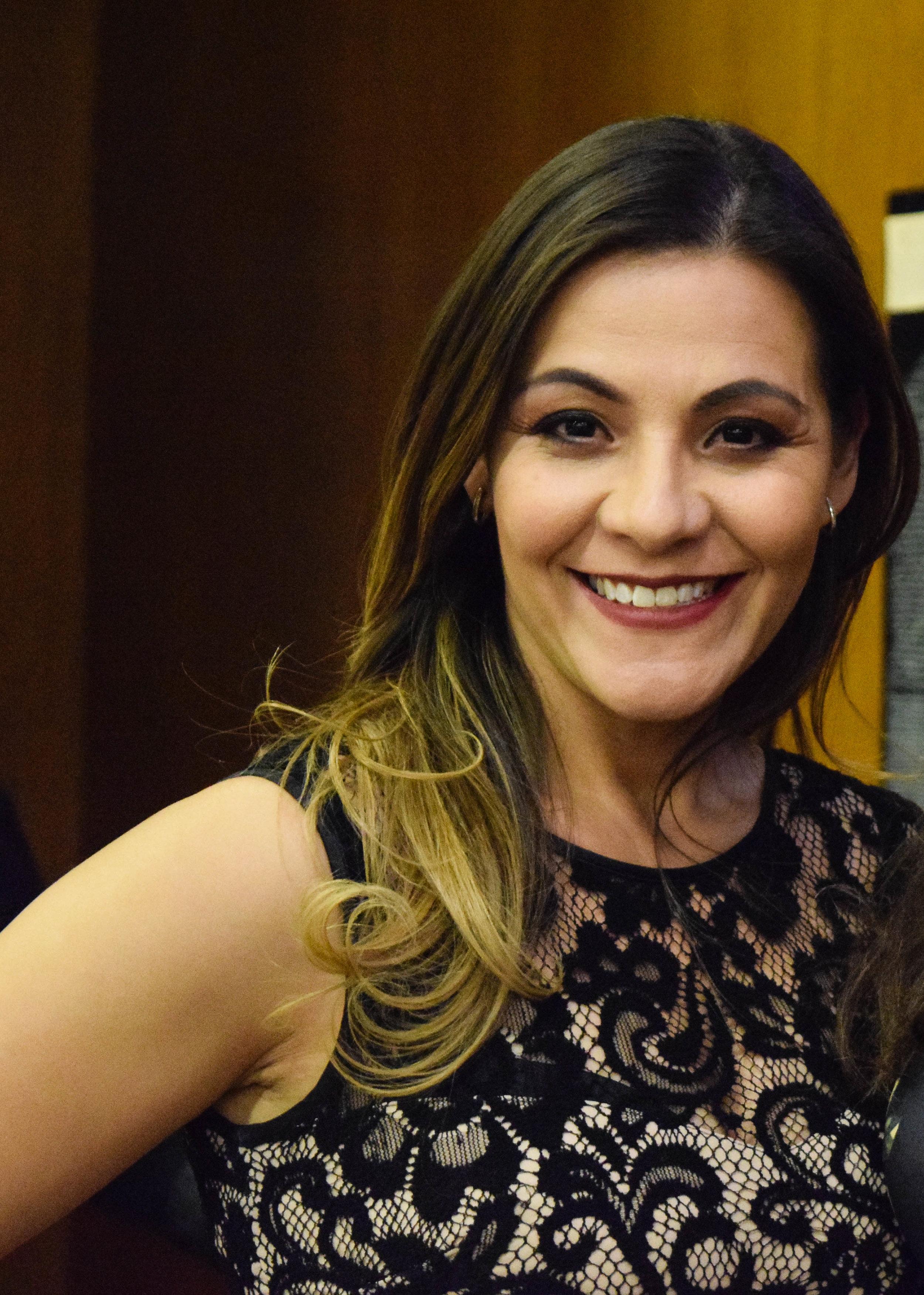 Yadira Bustillos-Pak   Management Consultant