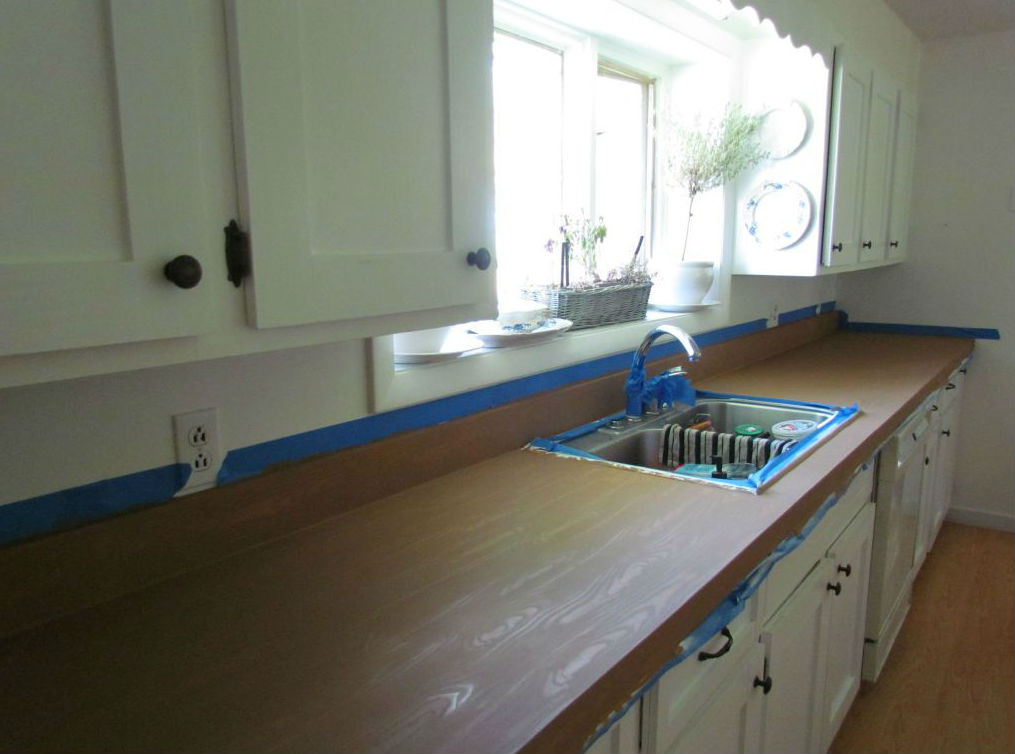 How to Make Laminate Countertops Look Like Wood For Less Than $100.00