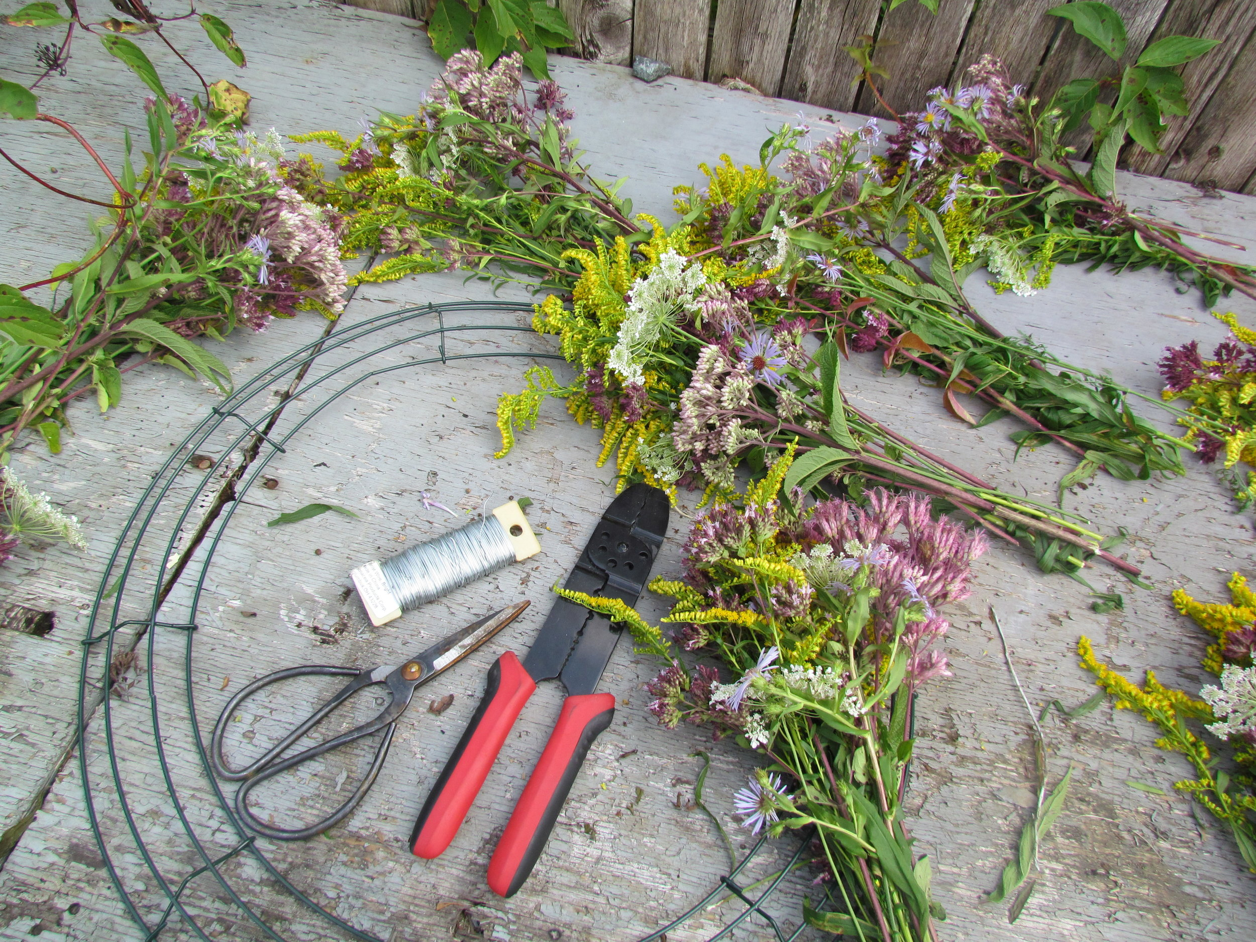 How To Make a Wildflower Wreath