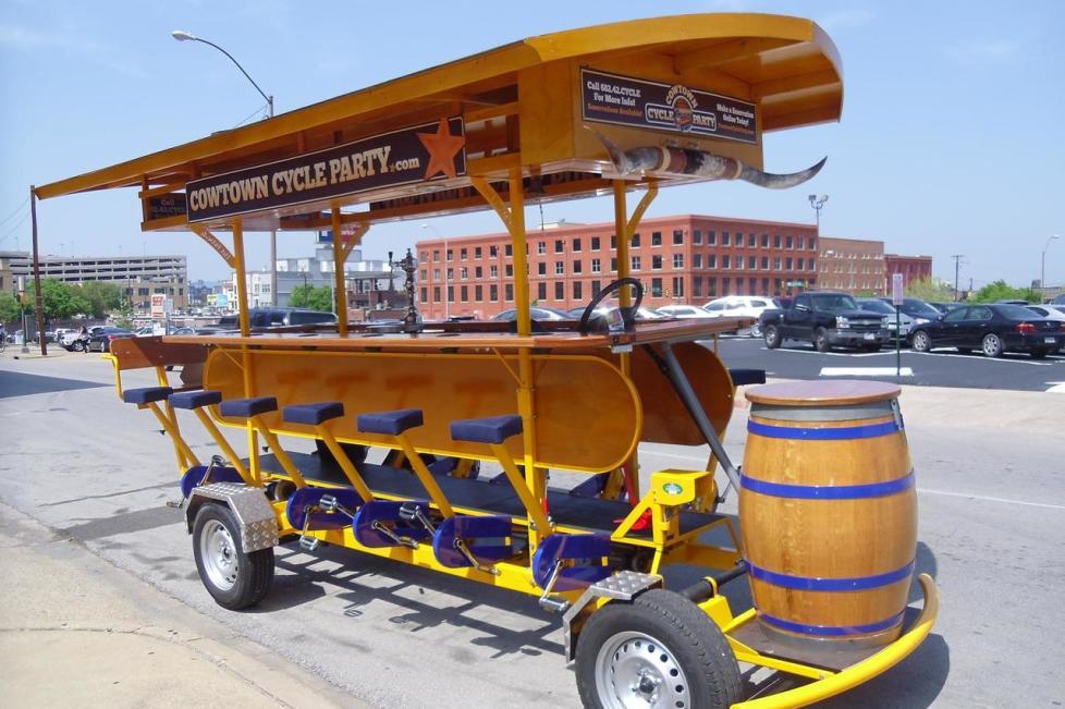 cowtowncycleparty.jpg