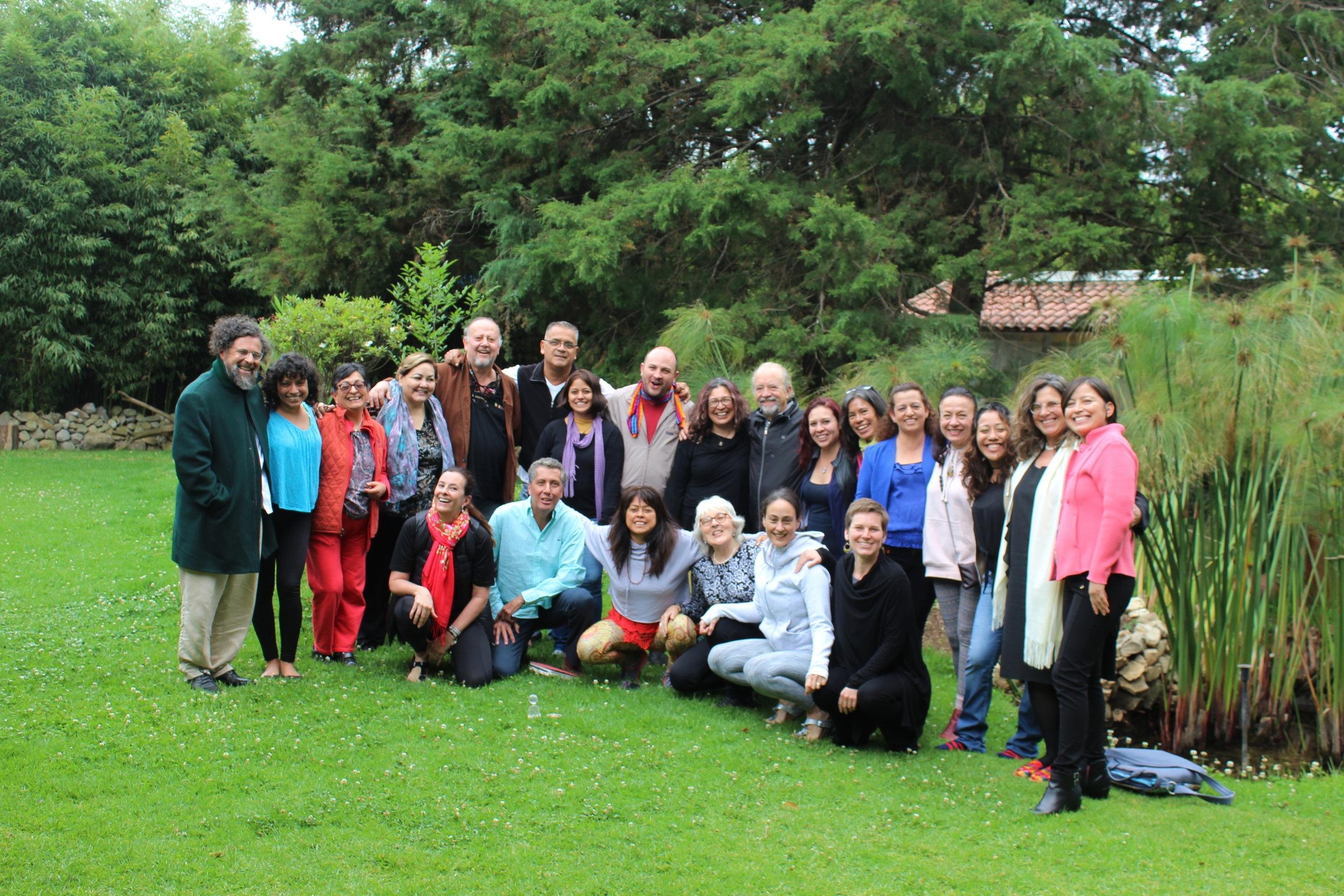 Maestros invitados a lo largo del tiempo - Maestros residentes e invitados a Yut Ontonal y a la Escuela Gestalt Viva.