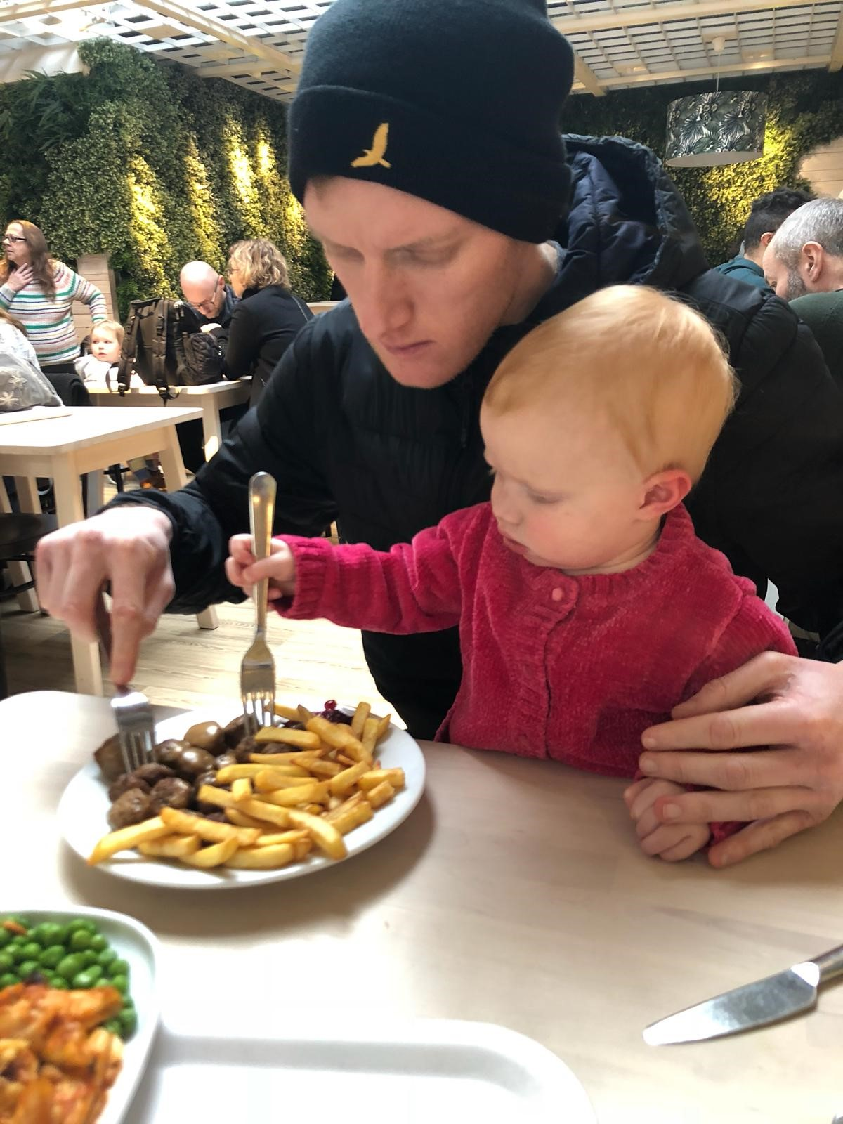 My daughter, Lottie, and I, were concentrating very hard at lunch. It was a match made in heaven… I ate the high fat, low carb meatballs. And Lottie at the low fat, high carb chips!