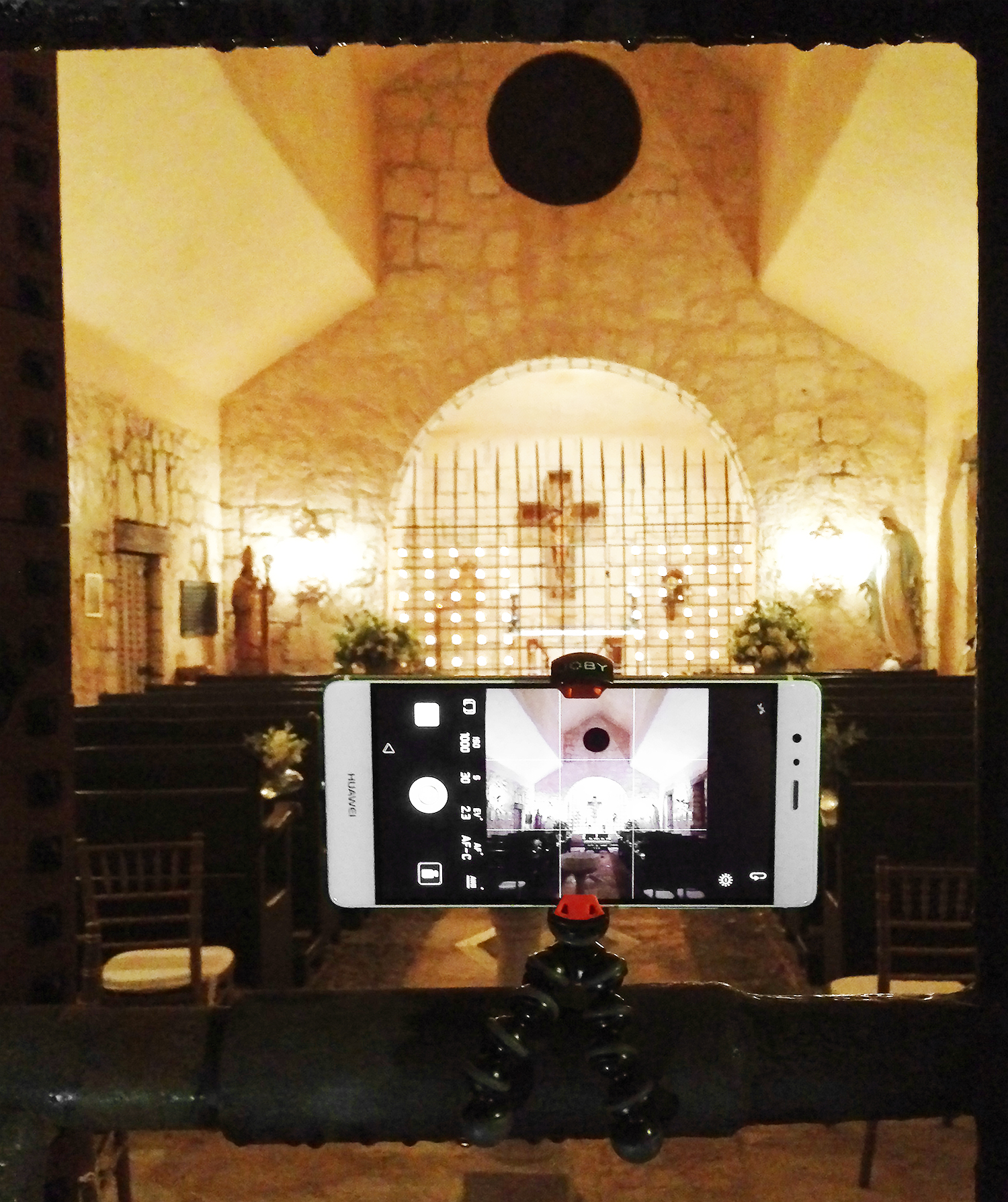 4 Gadgets To Make Your Phone Photography EVEN Better | I take almost every photo of my social media with my cell phone. Do you want to learn more about phone photography? Use this 4 AWESOME gadget!!!.